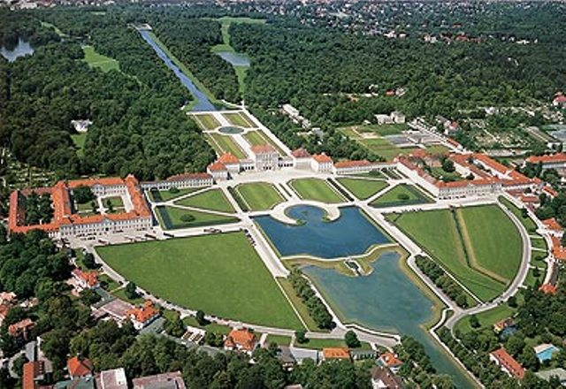 ��� ��� ���� ���� Nymphenburg Palace �� ������ � ������ ����� from-the-sky.jpg